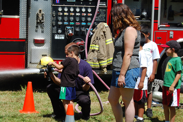 firefighter-at-picnic